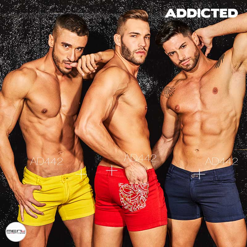 Addicted slim fit jeans Shorts in color red, yellow and navy blue with bag at the Po AD442