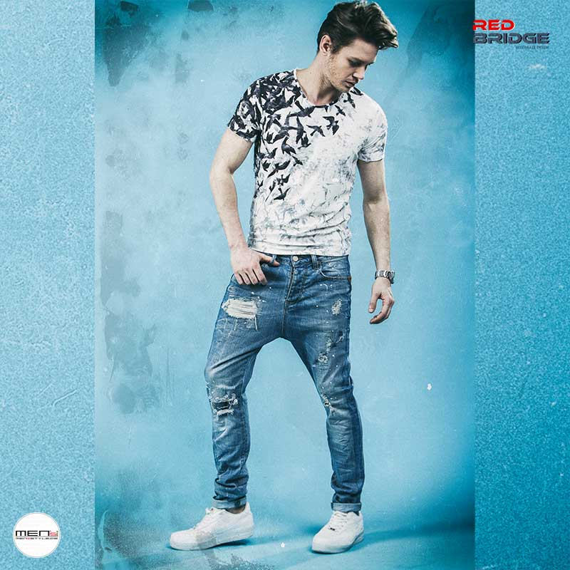 RedBridge jeans looks as a skinny or low cut style with print t-shirts for every guy